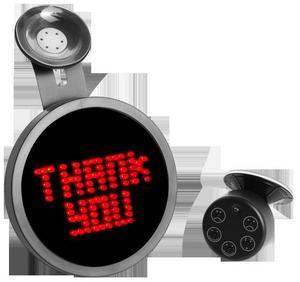 Skicka meddelandeDrivemocion car message sign. Längtar du efter mer nyanserade sätt att kommunicera med andra bilister än att bara tuta eller höja näven? Med den här kan prylen kan du skicka budskapen Thanks, Back off, Sorry eller skicka en smiley. Finns på Teknikmagasinet Cirkapris: 270 kronor.