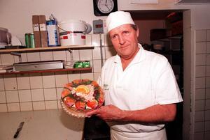 Gunnar Sjödahl från Östersund bakade smörgåstårtor på Wedemarks konditori i över 40 år.