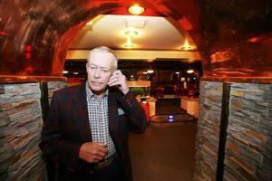 Gerhard Carlsson (SD), som är kommunfullmäktigeledamot i Östersund, har blivit utesluten ur partiet.