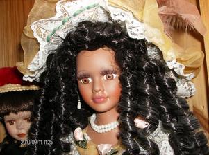 Min fru samlar på dockor från olika länder och denna docka ingår i samligen