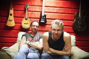 Fredrik Magnusson och Patrik Zackrisson släpper tillsammans med bandkollegan Anders Erlandsson ny skiva nästa månad.