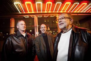 Jazzkatter. Gävle Big Band-ledaren Henrik Westlin, Lennart Wastesson och Ingvar Palm spelar storbandsversioner av Wastessons låtar på Spegeln på söndagen.