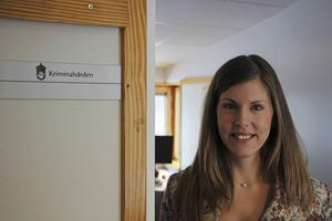 Frivårdsinspektören Frida Svensson-Jonsson arbetar också mycket med KBT-baserade program som ska hjälpa klienterna vid utslussning.
