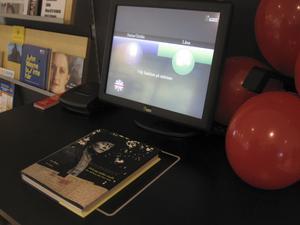 Ny teknik. ¿Sådana här apparater finns numer på biblioteken i Västerås. Foto: Birgitta Cavallini