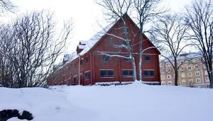 NU. Sockerbruksladan står kvar, men det gula trähuset är sen länge rivet.
