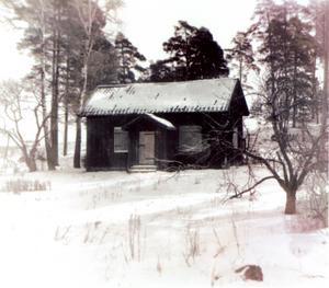 Soldattorpet där Brandt blev den siste indelte soldaten. Torpet låg där vägarna från Stockholm och Tortuna strålade samman.