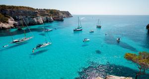 Vackra kuster och fridfulla stränder är något av allt det man kan uppleva på Menorca.