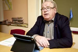 Leif Nilsson anser omsorgsnämndens extrabegäran om nära 8 miljoner kronor för 2013 som orealistisk.
