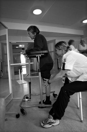 Rehabiliteringsansvaret för sjukskrivna måste rimligen ligga också hos den försäkringskassa som nu vill svära sig fri från ansvar.