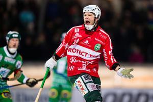 VSK:s Johan Esplund reagerar under bandymatchen i Elitserien mellan Hammarby och VSK.