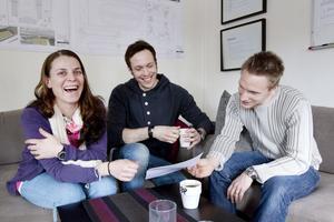 Anna Karlsson Landin, Tomas Nygren och Daniel Kvarnström tror att det kommer att bli vanligare att lärare använder sociala medier i tjänsten.– Det vore bra att ha en plattform där man kan diskutera frågor, säger Anna Karlsson Landin.– Och lägga ut lektionsmaterial, säger Daniel Kvarnström.