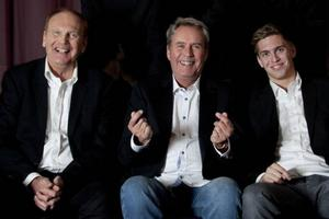 Ebbe Nilsson, Sten Nilsson och Alexander Nilsson. Utöver dem tre ingår även Stefan Kahl och Johann Helander i bandet.