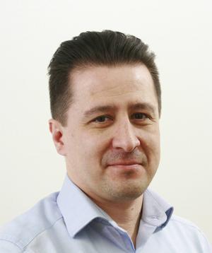 David De la Rosa, ordförande i SAIK innebandy. betonar att kraven på försäljning ligger på lagen, inte den enskilda spelaren.