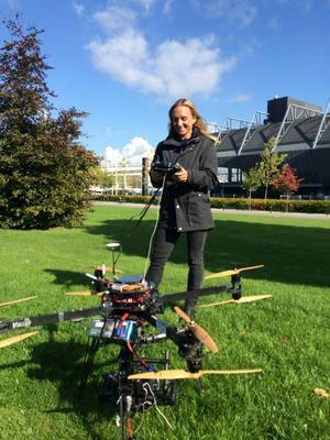 Måndag, Malmö: Fick leka lite på jobbet. Min intervju med Pa Konate filmades av Kopterframes med flygande kamera!