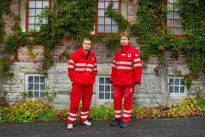 De har länge arbetat i Röda korsets frivilliggrupp i Östersund men nu är det slut. För Stefan Winqvist tar det slut när han tar sin examen i januari. För Peder Molins del är det slut nu efter 20 år.