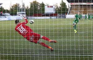 Brage lyckades inte vinna någon av seriematcherna mot Dalkurd. Här, i kvalet till Svenska Cupen 2015, vann man dock på straffar.