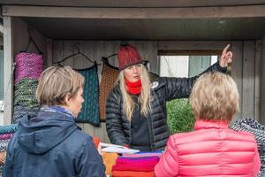 Företagaren Gunilla Claesson sålde ullprodukter på Torsta.