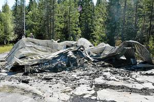 I augusti 2015 var olyckan framme igen, en ny eldsvåda och det fyråriga bygget stod i lågor igen.