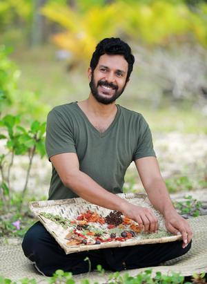 Janesh Vaidya släpper sin nya kokbok i augusti. Recepten utgår från traditionellt Indiska rätter men är anpassade till svenska förhållanden. Alla rätterna är glutenfria, laktosfria, sockerfria och helt utan animaliska produkter.