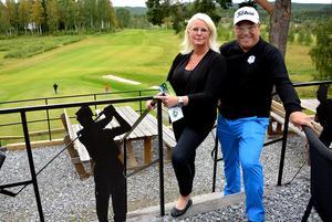 Hussborg golfklubbs Katarina Dahl Nilsson och Hasse Karlsson ser fram emot den fjärde upplagan av Ryder cup i Medelpadstappning.