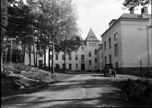 Skogsfjällets sanatorium, cirka 1940. När sanatoriet stod färdigbyggt 30 år tidigare betraktades det som en lyxanläggning av de fattiga västmanlänningarna.