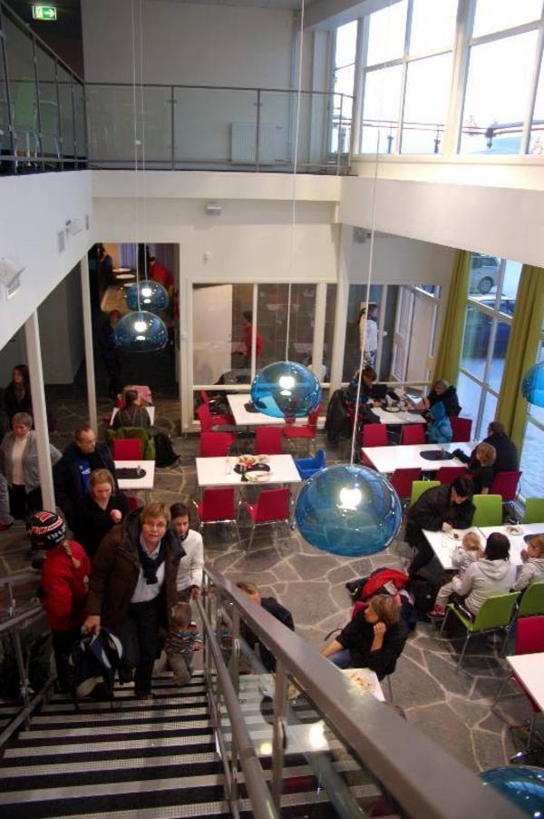 Aktivitetshuset har en restaurang och kafé.Foto: Carin Selldén