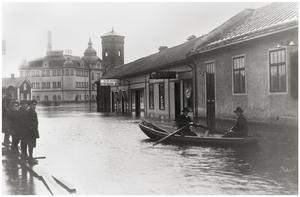 Östra Hamngatan från Falubron ner mot Fisktorget. Foto ur Skogqvists samlingar.Foto: Albin Hedling