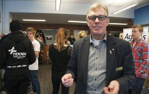 Staffan Oscarsson från Nyföretagarcentrum var även han på plats för att knyta viktiga kontakter med eleverna och berätta hur de kan stödja dem som är intresserade av att starta eget företag i framtiden.