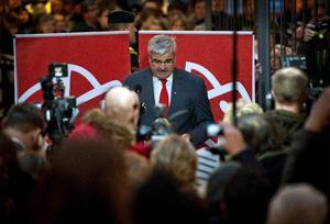 Lördag eftermiddag i Oskarshamn, en partiledare träder tillbaka.