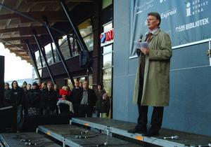 Diös/Åre Centrums vd Christer Sundin talar vid invigningen av Station Åre i oktober 2006. Nu, fyra år senare jobbar han på en större omorganisering av stationen.