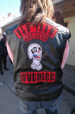 Har man klarat provåret till fullvärdigt medlemskap i Old Iron Cruisers får man bära det här emblemet på västryggen.