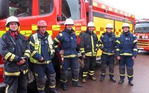 Brandpersonalen är Tommy Jansson, Hans-Erik Mattsson, Thomas Wiklund, Daniel Larsson, Tobias Larsson och Mats Fogd. De ska rycka ut inom 90 sekunder.