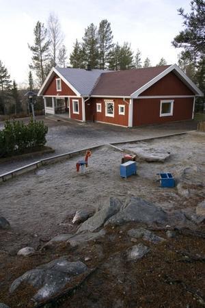 Stensödens förskola har en fantastisk utemiljö och det tänker föräldrarna ta tillvara på genom mycket utevistelse.