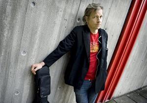Kommer till Parkfesten. Stefan Sundström, en av alla de artister som uppträder på åttonde upplagan av Parkfesten nu till helgen. Även dottern Vanja Sundström kommer till festivalen tillsammans med bandet The Vanjas. Arkivfoto: TT