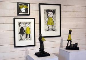De subtila och underfundiga uttrycken präglar både måleri och skulptur hos Elisabeth Linna-Persson.
