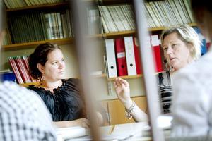 Gästföreläsaren Lotta Hermansson från Bollebygd, och Josefina Karlberg från Nynäs Montessoriskola.