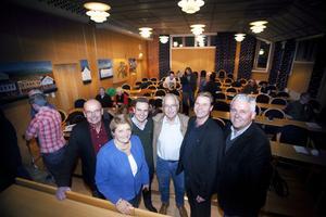 Kvällens talare från vänster: Stefan Färlin, Närljus, Nina Lagh (M), före detta kommunalråd Håbo kommun, Tomas Tobé, ordförande arbetsmarknadsutskottet (M), Lasse Molin (M), oppositionsråd Ljusdals kommun, Hans Backman (FP), riksdagsledamot, Anders W Jonsson (C), riksdagsledamot.