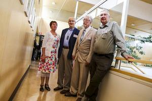 Gunilla Zetterström Bäcke, Arne Ring, Olaf Andersson och Lennart Olsson. Saknas på bilden gör Gottfrid Jonsson som inte kunde komma på invigningen.