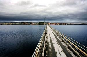 Bron en livsnerv för Lit med omnejd.   Foto: HEnrik Flygare