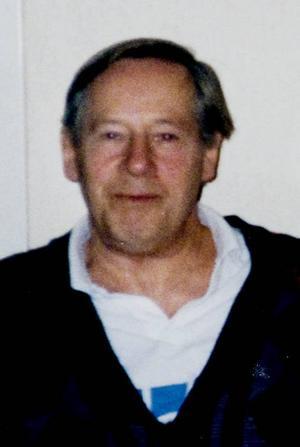 Konstnären. Lars Carlqvist, amatörmålare som avled i början av december förra året.