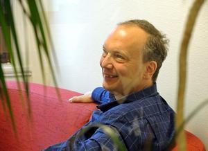 Joakim Andersson är lättad. Bostadsfrågan får en lösning.