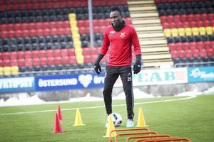 Samuel Mensahs knäproblem förbryllar Östersunds FK.