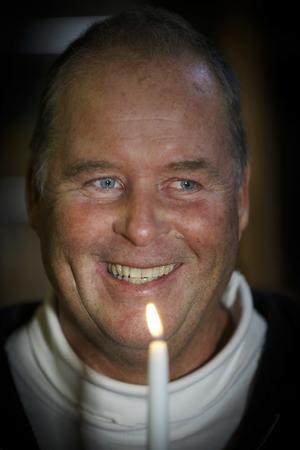I oktober gick 61-årige Magnus Wennergren i pension, men han har svårt att släcka ljuset och lämna Åre Ljusfabrik bakom sig. Han brinner för ljusproduktionen och hantverket, som han beskriver som en rofylld verksamhet.