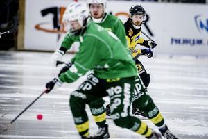 Lasse Buskqvist och ÖSK Bandy ska nu ta nya tag för att besegra Västanfors borta nästa helg.