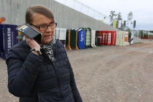 Lena Sterner, ordförande hos Falu Ryttarsällskap, har mycket att göra dagarna innan Dalahoppet drar igång på Lugnet. Det kommer att ridas cirka 650 starter under fyra dagar i helgen.
