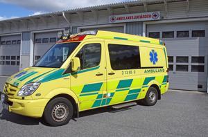 Extra ambulansen i Västernorrland kostar landstinget 2 000 000 kronor för sex veckor.