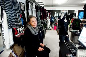 - Jätteroligt, säger Christina Olsson i butik 36:an. Det betyder mycket för oss i huset men det betyder också mycket arbete.
