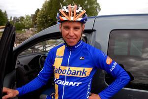 Säterkillen Emil Lindgren fick under fredagen beskedet att hans stall, holländska Rabobank, drar sig ur cykelsporten.