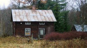 I det här torpet i skogen i Böle bodde under en tid två familjer, sammanlagt sex personer.