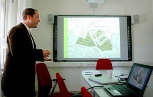 Paul Loaders recept för ett levande centrum i Ås är öppna, gröna ytor med betande djur och en koncentration av människor i nya bostäder.